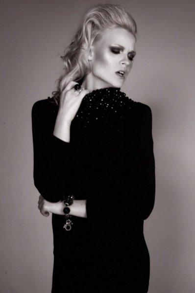 Honorata Wojtwkowska w sesji dla One Magazine