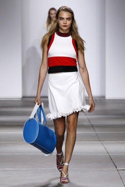 1. Pokaz kolekcji Topshop Unique wiosna-lato 2015 w trakcie London Fashion Week