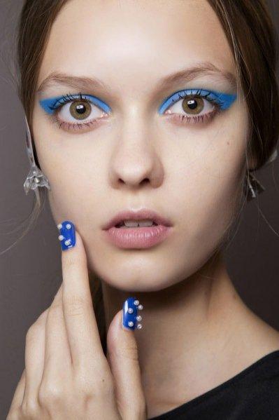 1. Trendy w manicure na sezon letni