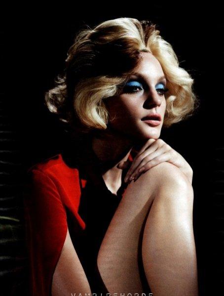 Jessica Stam w sesji dla styczniowego W Magazine