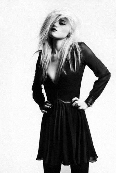 Sky Ferreira w lookbooku Saint Laurent Paris 2013