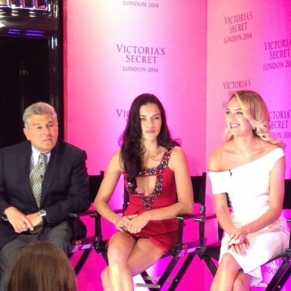 1. Victoria's Secret w Londynie/ od lewej: Ed Razek, Adriana Lima i Candice Swanepoel