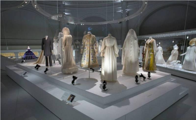 1. WYSTAWA SUKIEN ŚLUBNYCH W VICTORIA&ALBERT MUSEUM