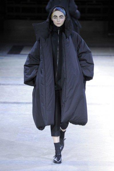 1. Yohji Yamamoto - kolekcja jesień zima 2014/2015