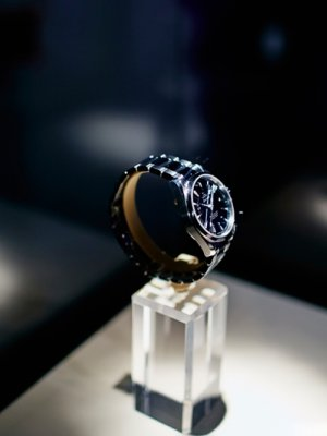 WATCH THE SECRET: BOND & OMEGA PARTY