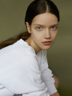 ANTONINA MIERZEJEWSKA – NEW FACE MODEL PLUS