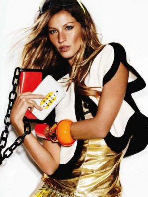 SHE'S ELECTRIC - GISELE BÜNDCHEN I MARIO TESTINO DLA VOGUE UK