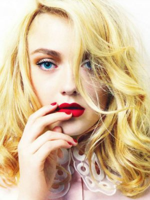 NASTOLETNIA DIWA HOLLYWOOD - DAKOTA FANNING W SESJI ELLE UK