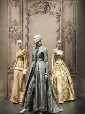 "NOWA WYSTAWA :  ""OSCAR DE LA RENTA: FIVE DECADES OF STYLE"""