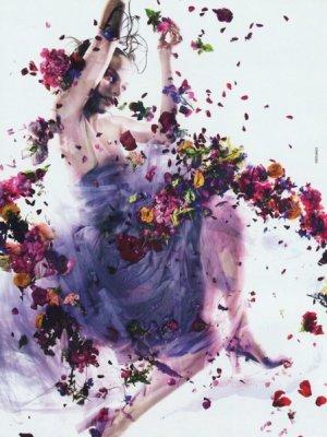 HOLY FLOWERS Z ZUZANNĄ BIJOCH W DAZED&CONFUSED