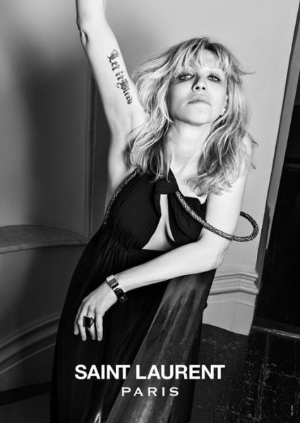 1. Courtney Love w kampanii Saint Laurent