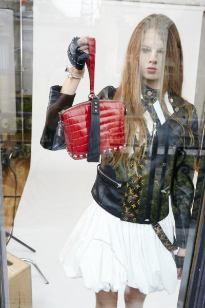 "1. Lookbook Louis Vuitton ""Strange Days"" SS16"