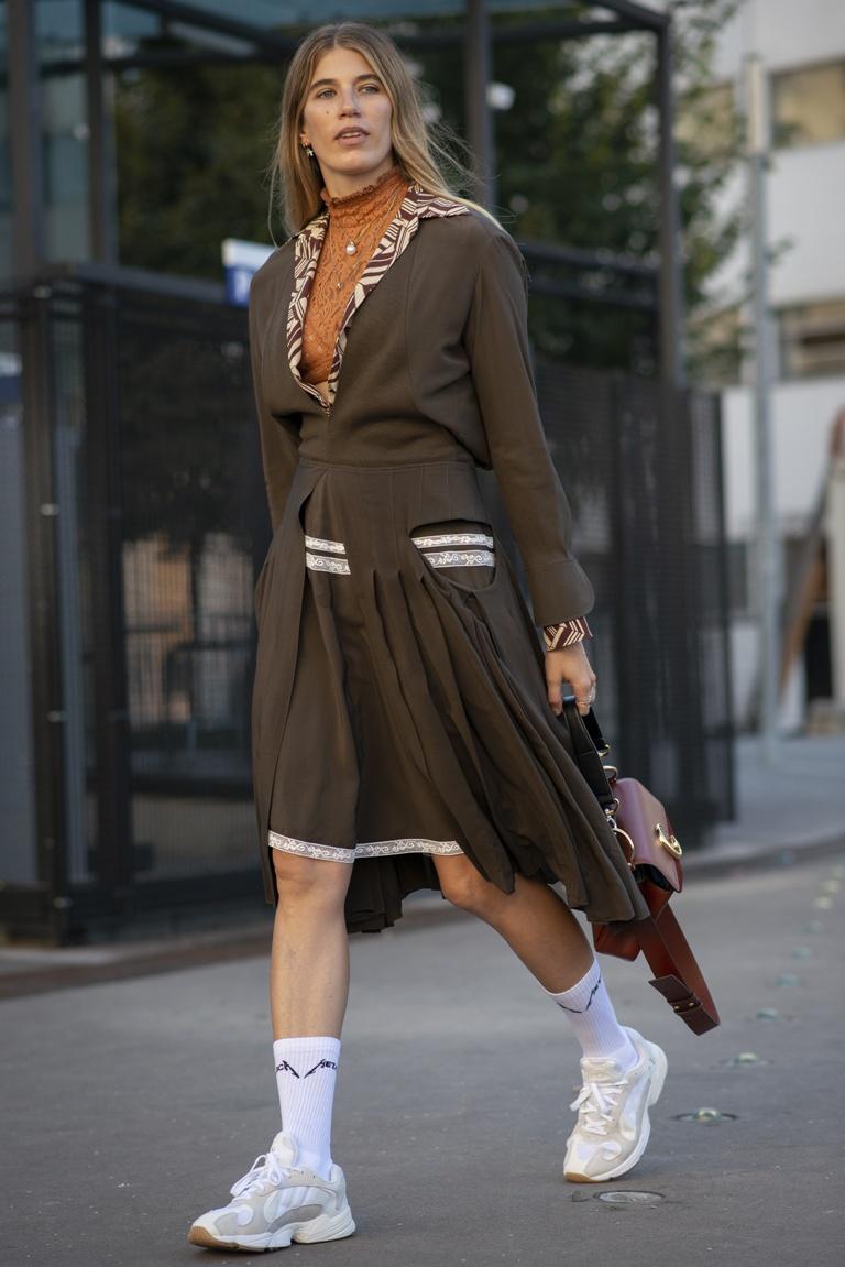 69a7bf6e0d307 65 najlepszych stylizacji z Paris Fashion Week wiosna lato 2019   lamode