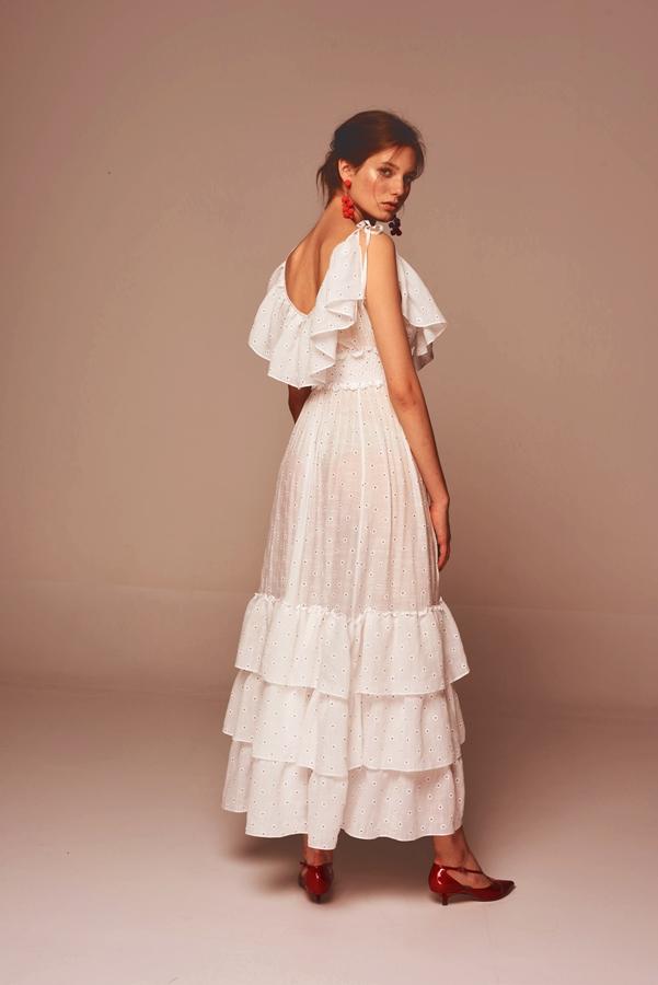 49b8244a43 Białe sukienki - najgorętszy trend lata 2018