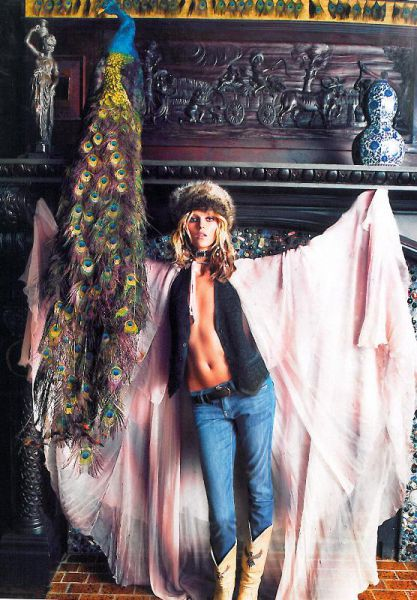 Anja Rubik w sesji Hippie Living w Vogue Paris