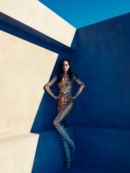 Rihanna w sesji okładkowej sierpniowego Harper's Bazaar US
